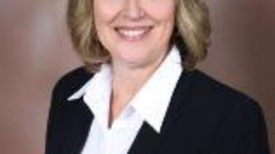 headshot of Gloria Pearson