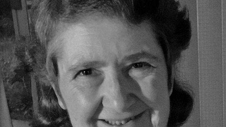 Lisa Sage smiling headshot