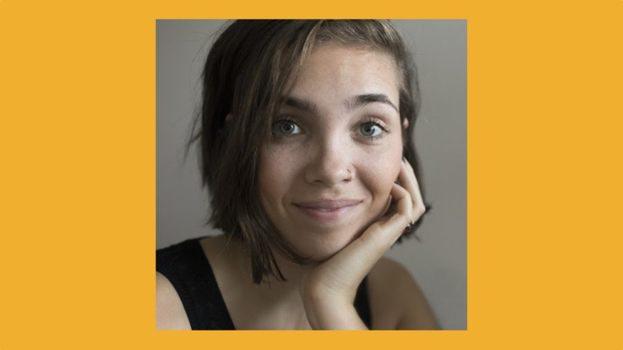 Manon De Reeper smiling headshot